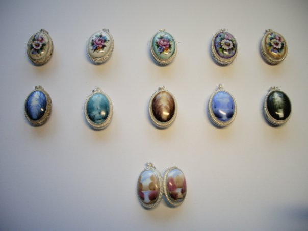 серьги гвоздики с бриллиантом из золота цена